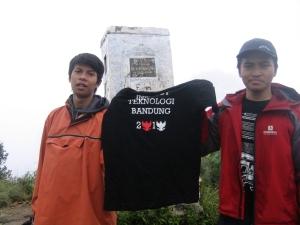 Di tugu Burangrang, (2011)